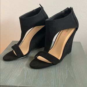 JustFab Black Wedge Sandals